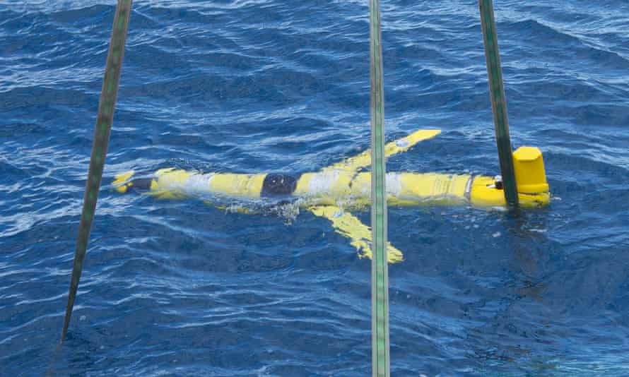 Recovery of an underwater 'glider'.