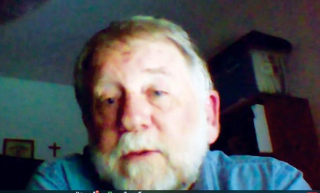 Dan Hollenbach talks to Friends of ORNL via Zoom.